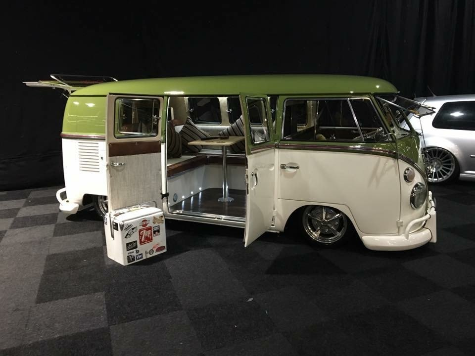 1966 Fully restored VW 11 window kombi For Sale (picture 2 of 3)