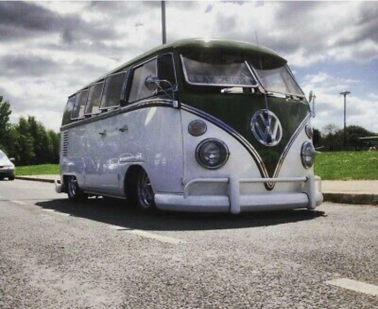 1966 Fully restored VW 11 window kombi For Sale (picture 1 of 3)