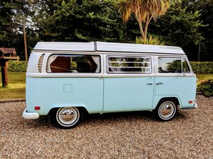 VWType 2 Westfalia Low Light Baywindow camper