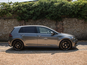 Volkswagen    GOLF R TSI 4Motion
