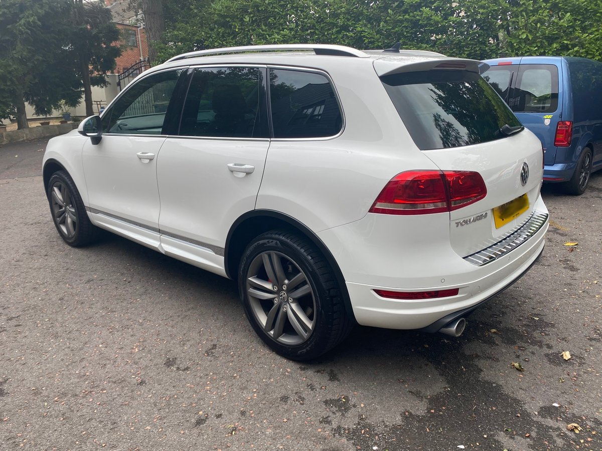 £12,995 : 2013 VOLKSWAGEN TOUREG 3.0 ALTITUDE TDI AUTOMATIC For Sale (picture 2 of 6)