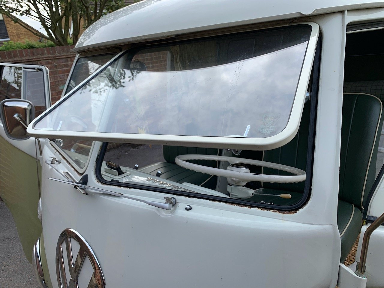 1965 VW Split Screen Camper LHD For Sale (picture 6 of 6)