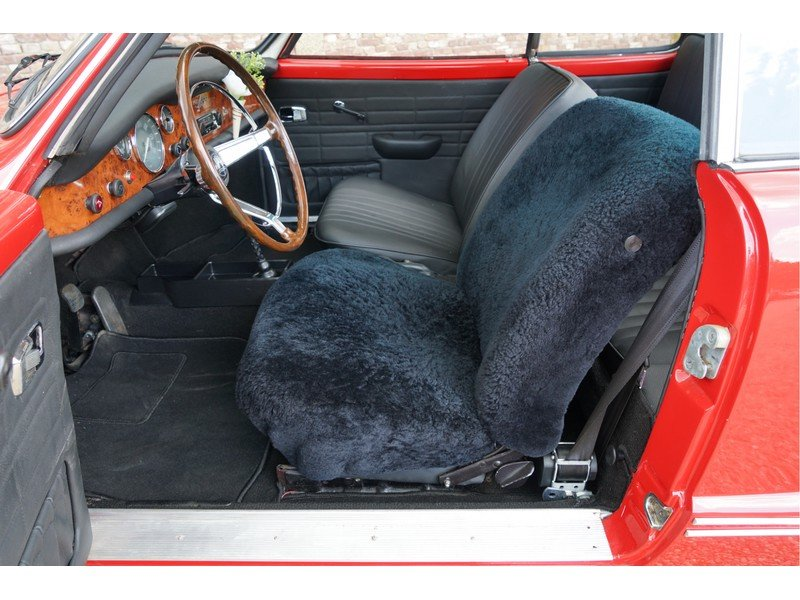 1972 Volkswagen Karmann Ghia For Sale (picture 3 of 6)
