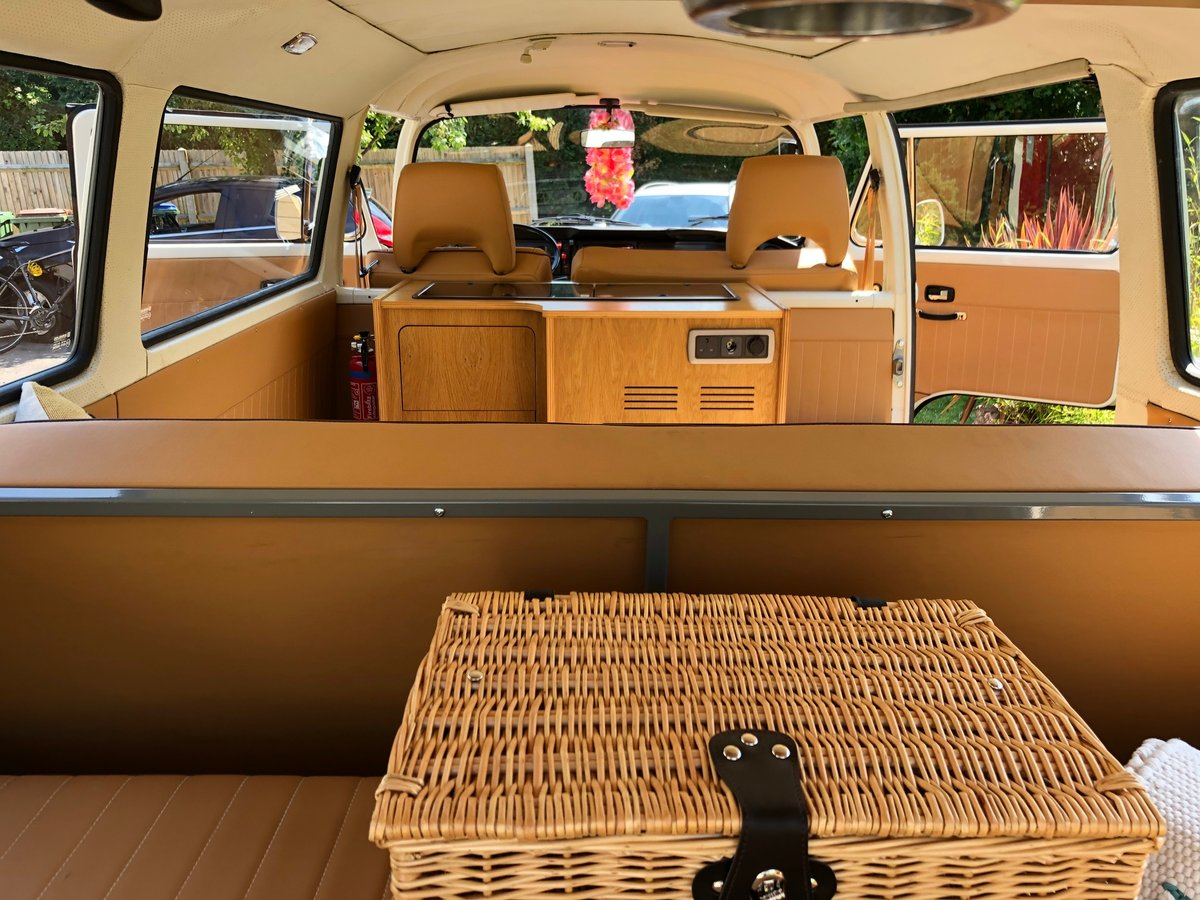 1973 VW T2 CAMPER LHD Factory Sunroof 16900 miles For Sale (picture 4 of 6)