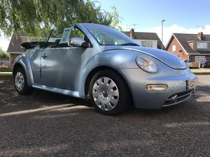 Volkswagen beetle convertible 2.0 5 speed