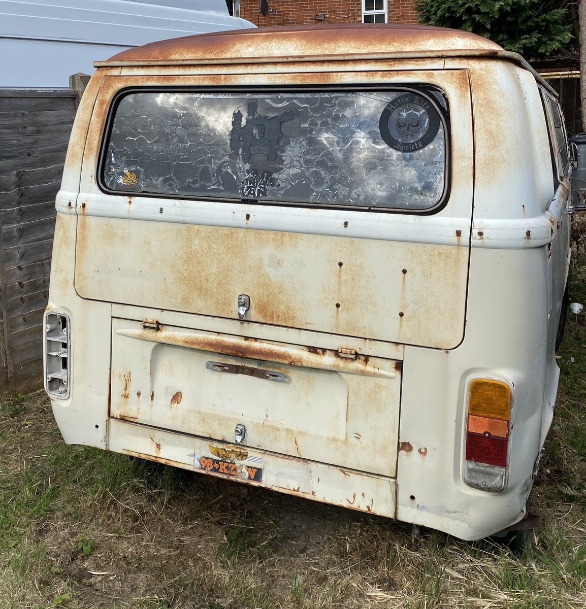 1972 VW Deluxe Project Camper For Sale (picture 4 of 6)