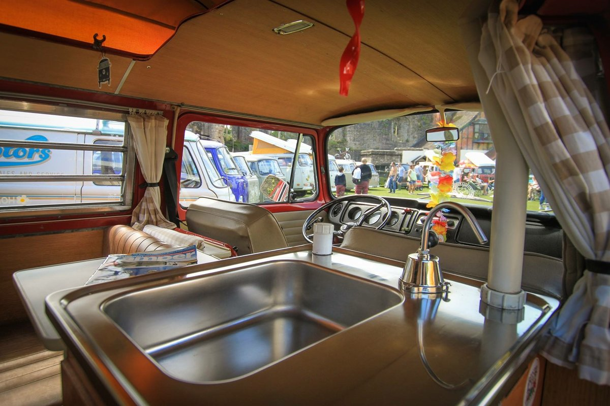 1970 VW T2 Volkswagen Camper Early Bay Westfalia SOLD (picture 4 of 6)