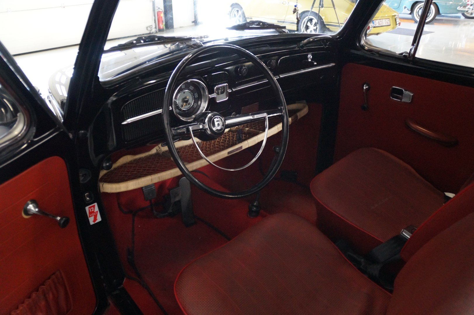 VOLKSWAGEN BEETLE matching numbers fully restored (1967) For Sale (picture 4 of 6)