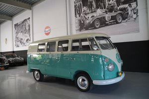 VOLKSWAGEN T1 Combi Bus (Model 231) Fully restored (1965)