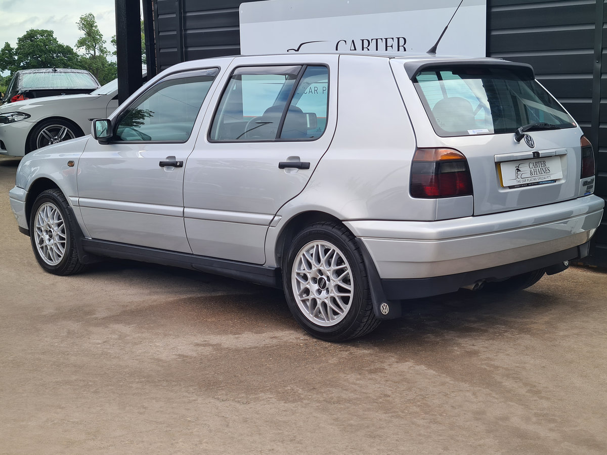 VOLKSWAGEN GOLF VR6 2.8 Auto VR6 1997 10,968 Miles For Sale (picture 2 of 24)