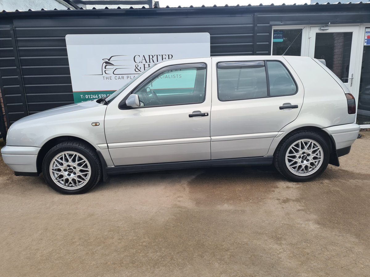 VOLKSWAGEN GOLF VR6 2.8 Auto VR6 1997 10,968 Miles For Sale (picture 5 of 24)