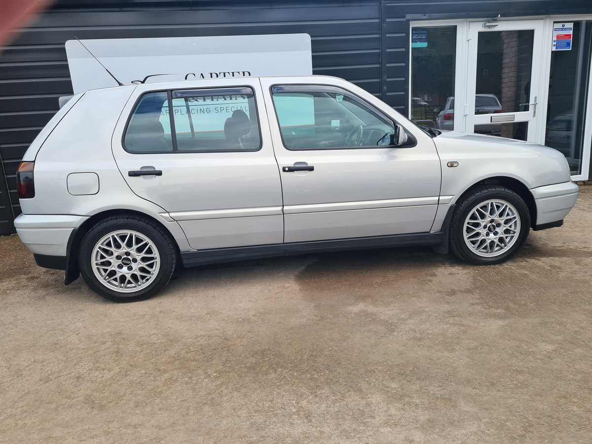 VOLKSWAGEN GOLF VR6 2.8 Auto VR6 1997 10,968 Miles For Sale (picture 7 of 24)