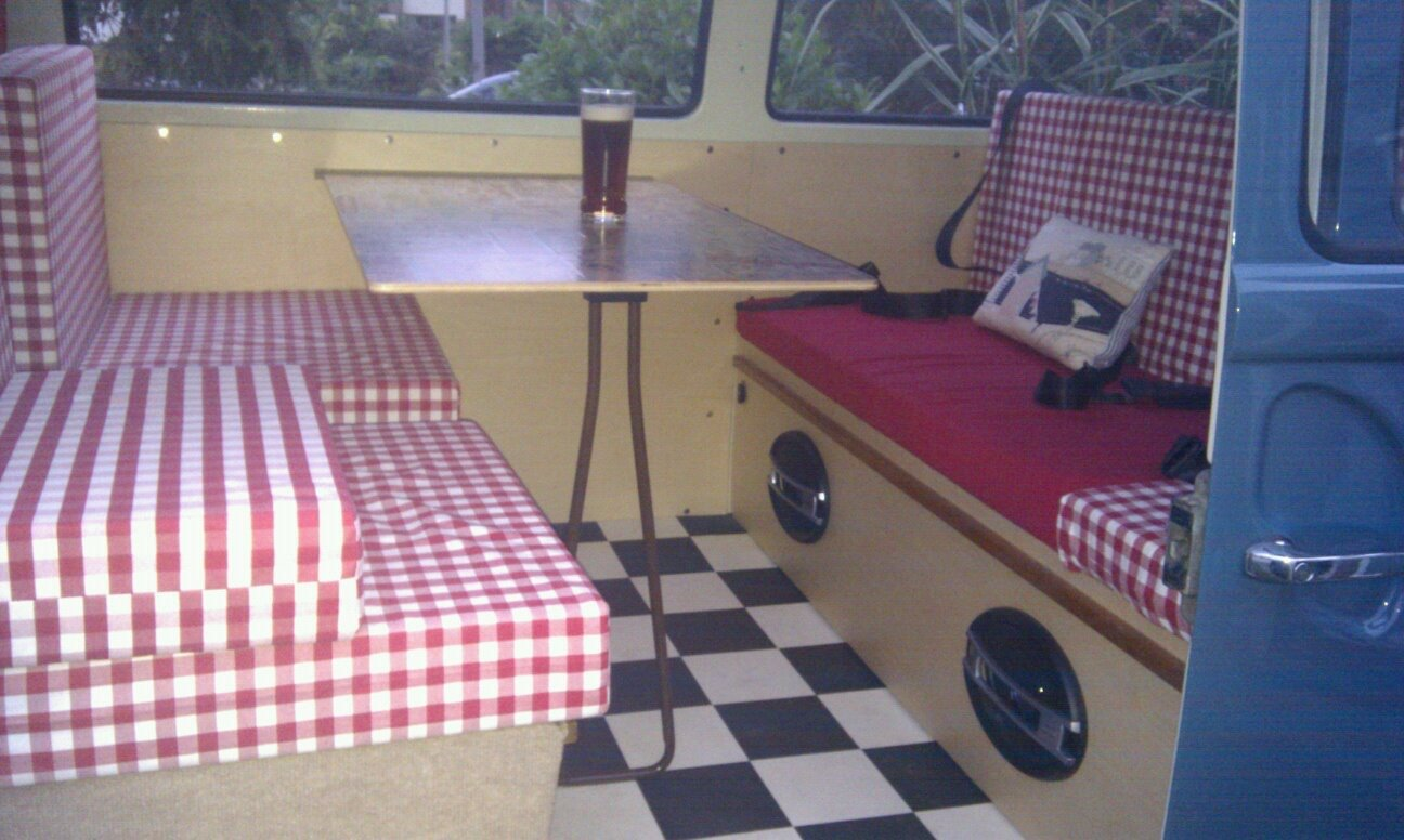 1971 Classic RHD Bay Window walk through Campervan For Sale (picture 6 of 6)