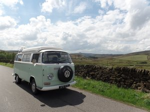 VW Volkswagen T2 Bay Window Campervan