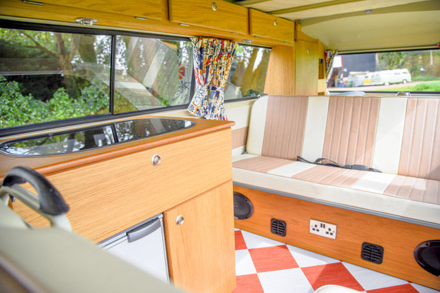 1970 RHD Australian import, stunning luxury build.  For Sale (picture 4 of 6)