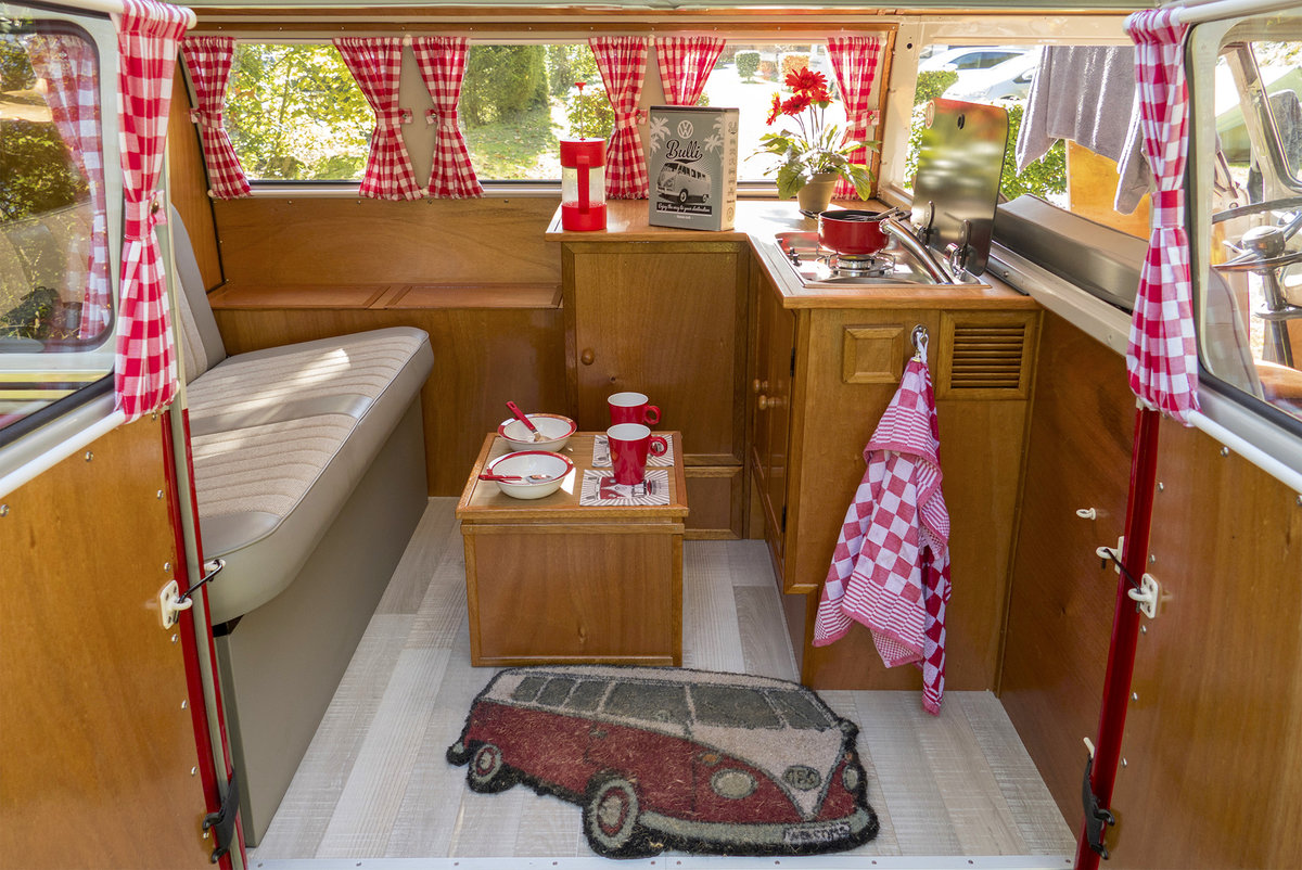 1967 Fully restored German Volkswagen T1 For Sale (picture 2 of 6)