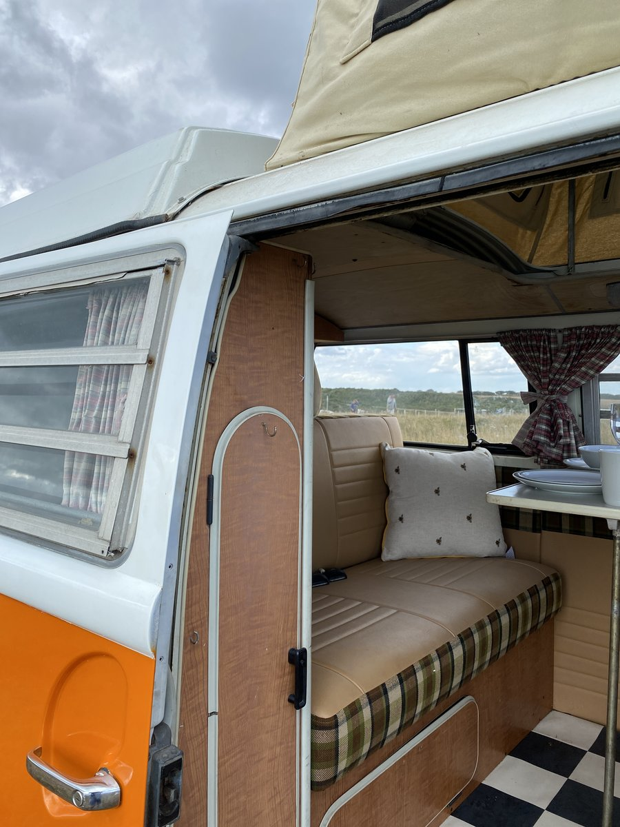 1971 100% Complete Early Bay Westfalia For Sale (picture 3 of 6)