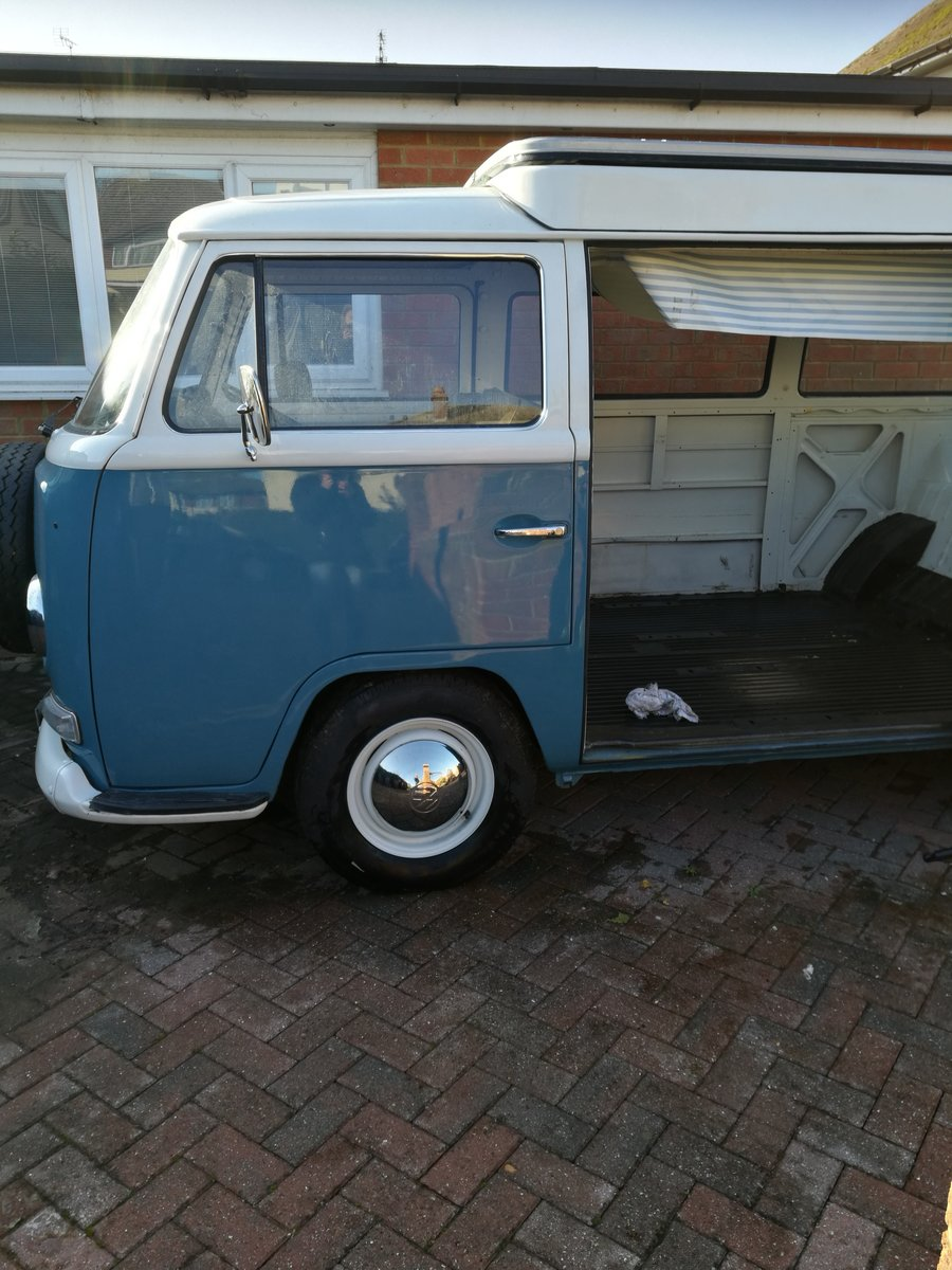 1969 VW T2 Camper Unfinished Project For Sale (picture 2 of 6)