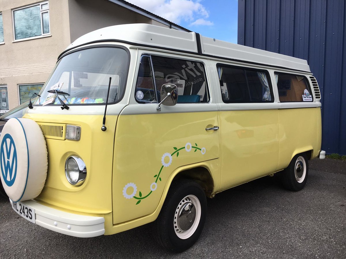 1978 Immaculately Restored VW Bay  Fully Furnished For Sale (picture 4 of 6)