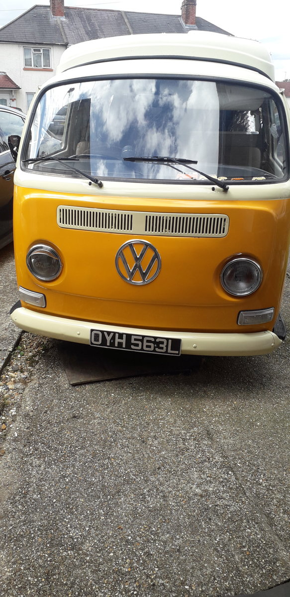 1972 VW T2 crossover Dormobile camper van tax exempt For Sale (picture 2 of 6)
