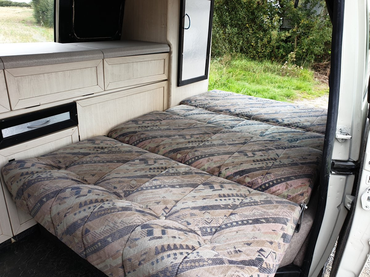 1993 VW T4 Genuine Holsworth Camper For Sale (picture 6 of 6)