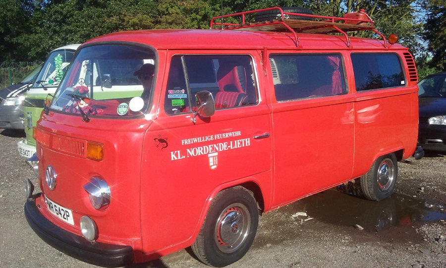 1975 Vw t2 firebus camper van For Sale (picture 1 of 6)