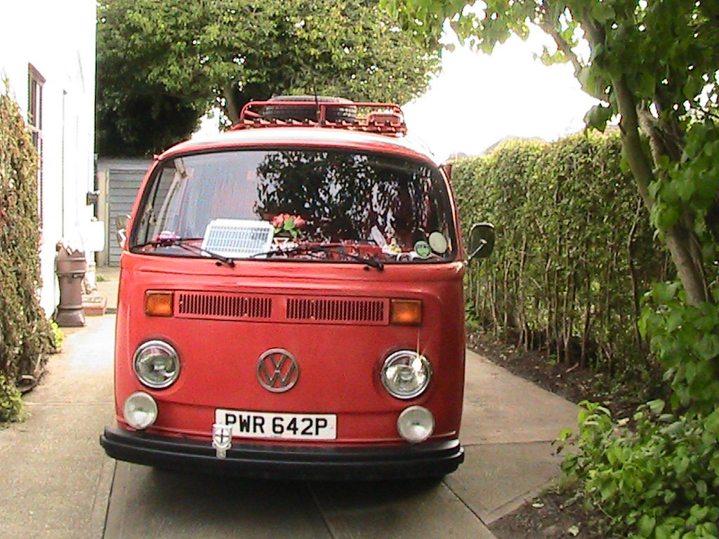 1975 Vw t2 firebus camper van For Sale (picture 2 of 6)