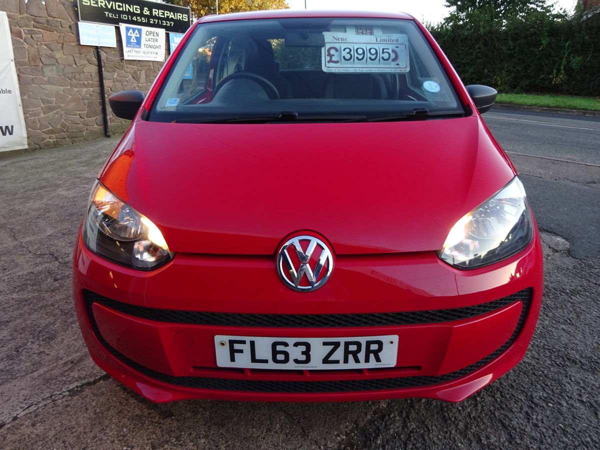 2013 63 BRIGHT RED V/W UP SMART LOOKER 82,000 MILES WITH F.S.H  For Sale (picture 1 of 6)
