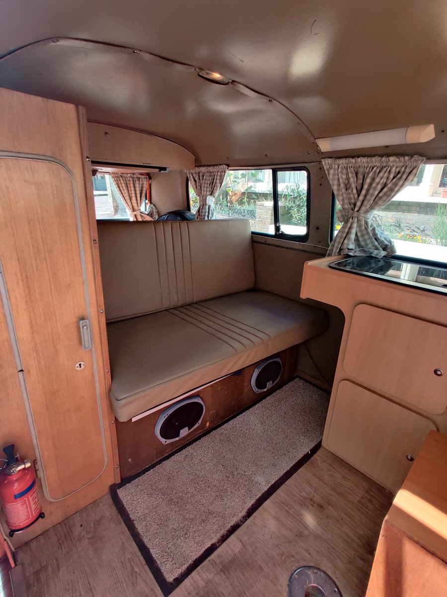 1975 T2 Orange VW camper, low mileage For Sale (picture 3 of 6)