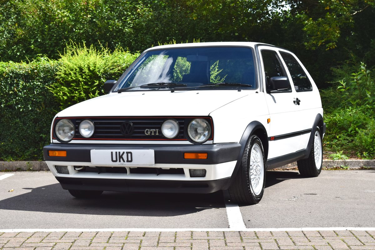 VW GOLF MK2 GTI 8V WHITE 3DR 1991 LOW MILEAGE For Sale (picture 3 of 8)