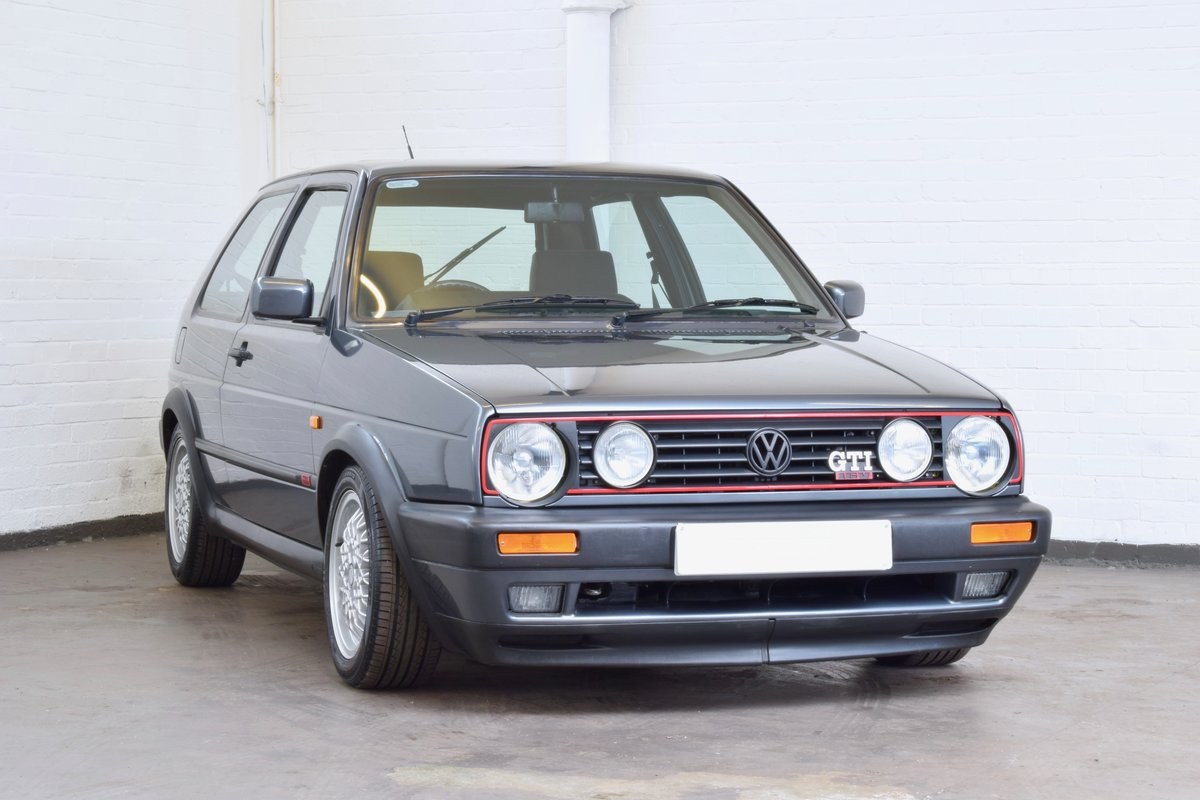 VW GOLF MK2 GTI 16V GREY 3DR 1990 WITH AIR CON LOW MILEAGE For Sale (picture 1 of 20)