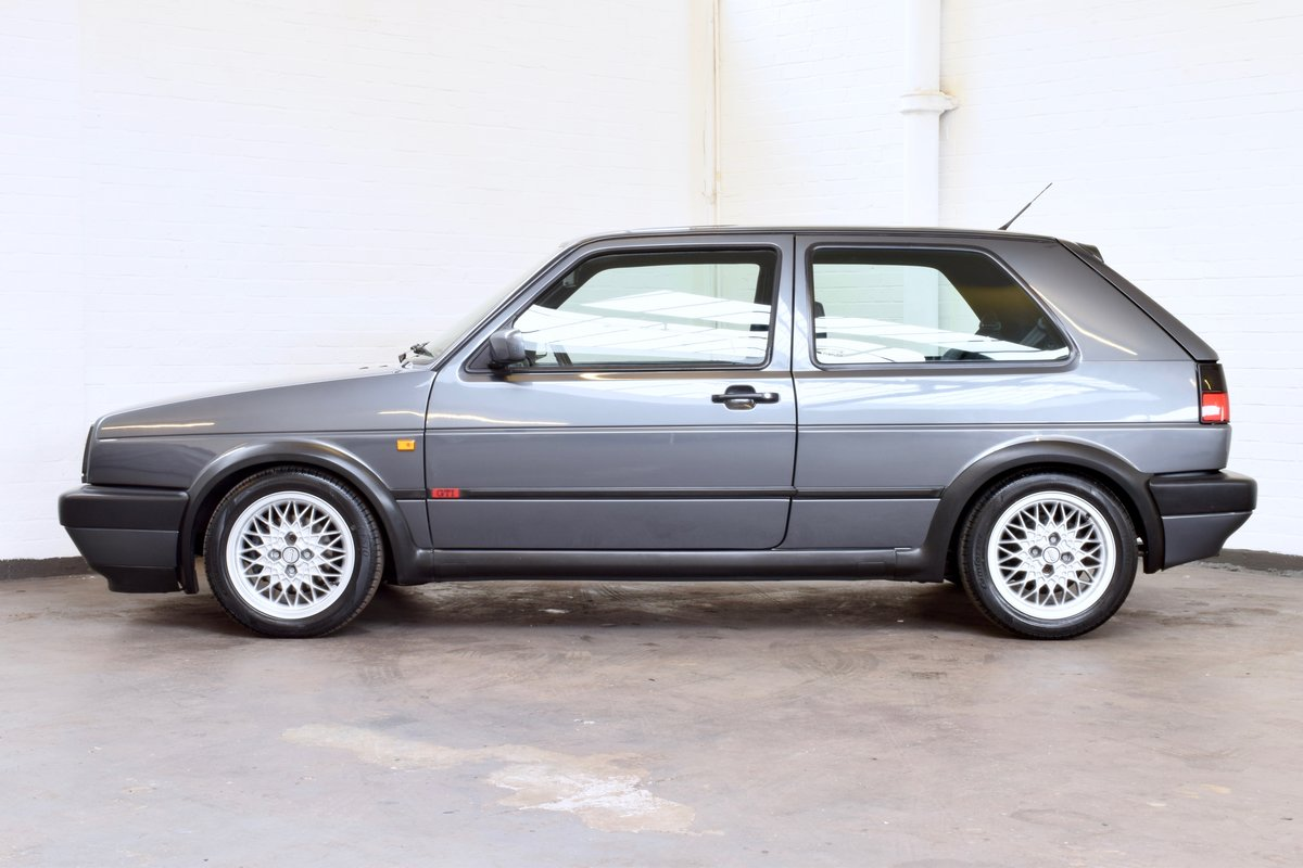 VW GOLF MK2 GTI 16V GREY 3DR 1990 WITH AIR CON LOW MILEAGE For Sale (picture 4 of 20)