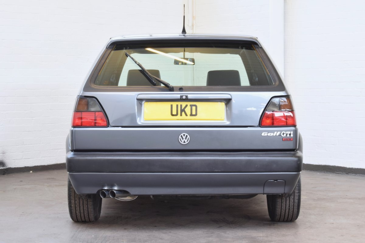 VW GOLF MK2 GTI 16V GREY 3DR 1990 WITH AIR CON LOW MILEAGE For Sale (picture 6 of 20)