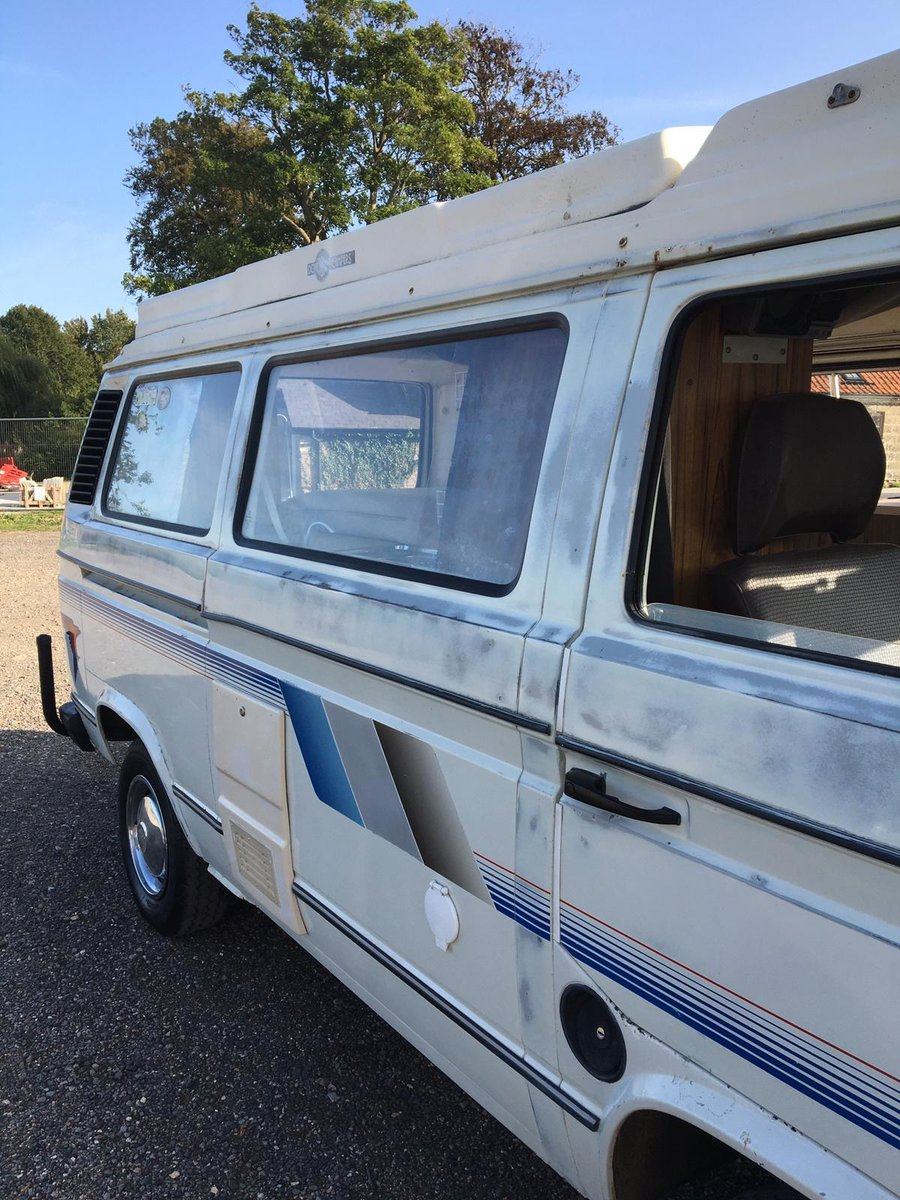 1982 VW T25 Aircooled Auto Campervan For Sale (picture 3 of 6)