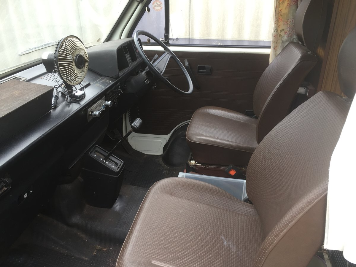 1982 VW T25 Aircooled Auto Campervan For Sale (picture 5 of 6)