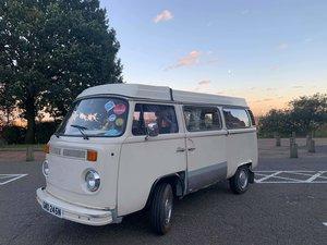 1974 T2 VW Camper-van (Pop up top)
