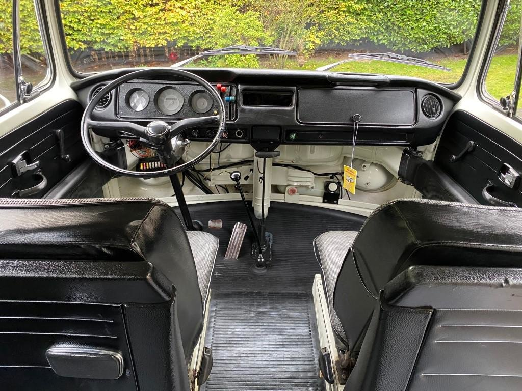 £12,995 : 1972 VW TRANSPORTER MOTOR CARAVAN For Sale (picture 4 of 6)