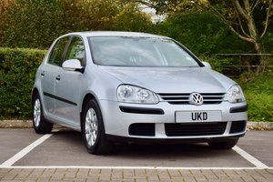 Picture of 2004 VW VOLKSWAGEN GOLF MK5 1.9 TDI AUTO SILVER 5DR  For Sale