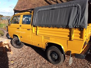 VW T25 Syncro Double Cab pickup (Doka)