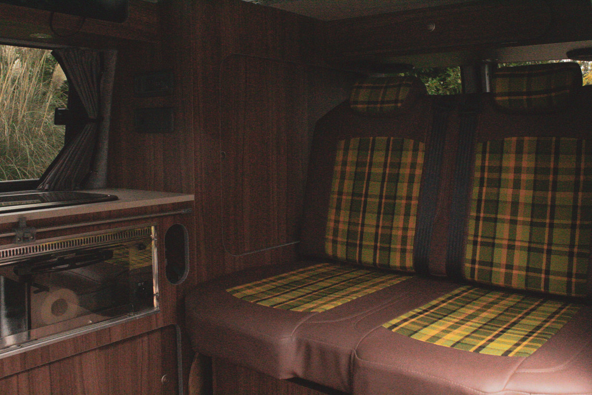 2010 VW T5 Custom Camper Van – 60th Anniversary For Sale (picture 5 of 6)