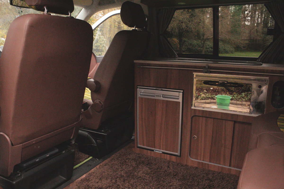 2010 VW T5 Custom Camper Van – 60th Anniversary For Sale (picture 6 of 6)