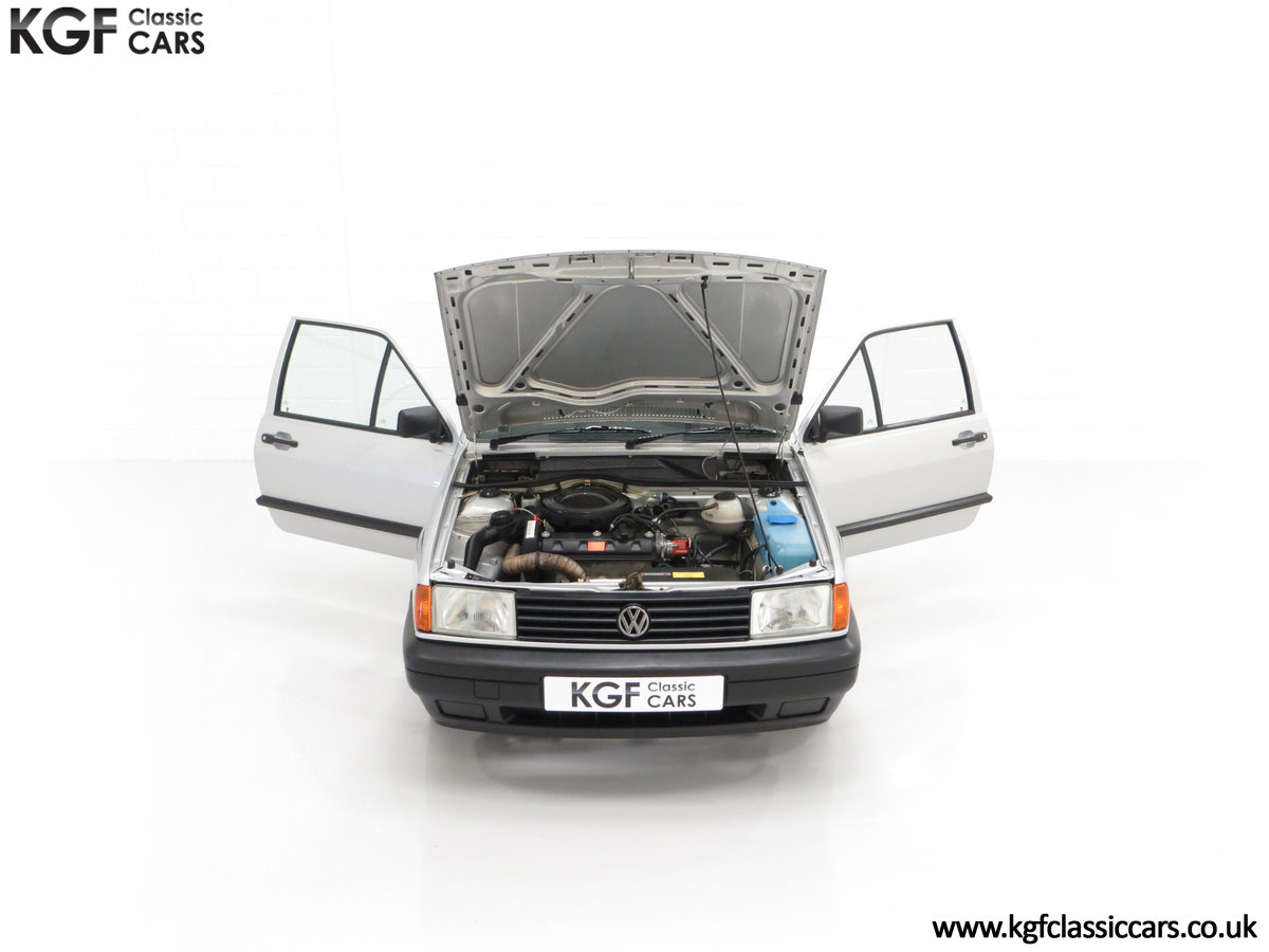 1992 A Volkswagen Polo Mk2F Genesis Breadvan with 34,637 Miles For Sale (picture 4 of 24)