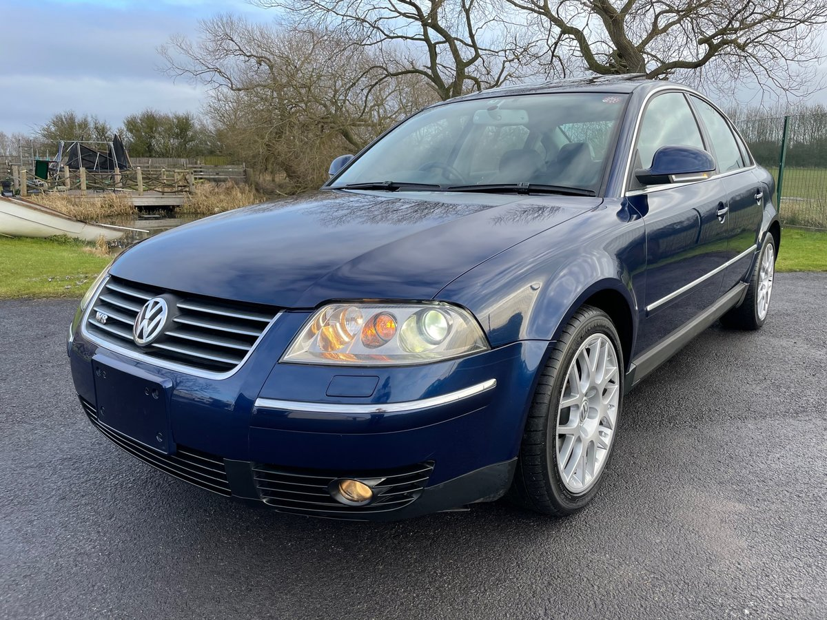 2005 VOLKSWAGEN PASSAT W8 4 MOTION 4.0 FULL LEATHER * LOW MILES * For Sale (picture 1 of 6)