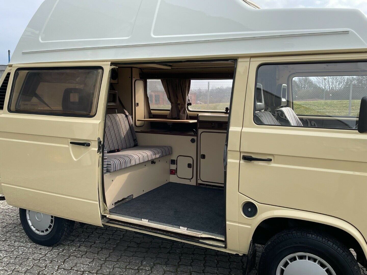 1983 Nice Westfalia! For Sale (picture 6 of 12)