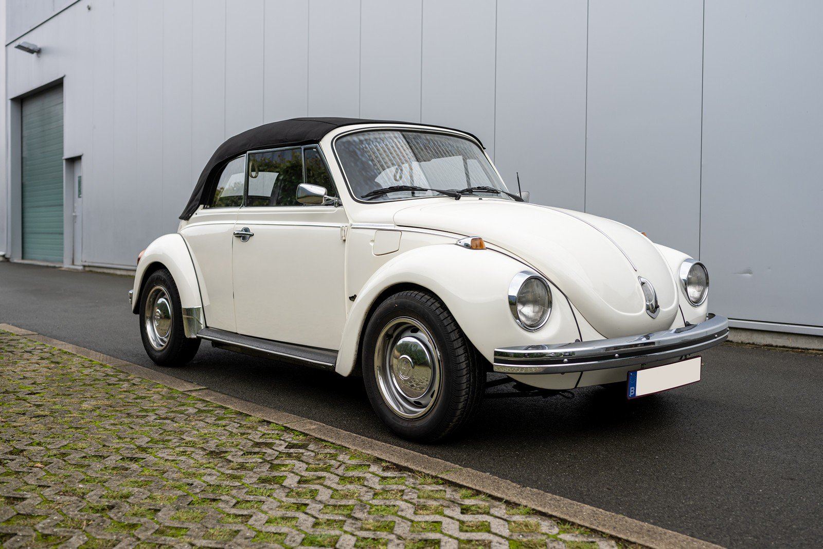 1973 Volkswagen Beetle Type 1303 Cabriolet For Sale (picture 1 of 39)