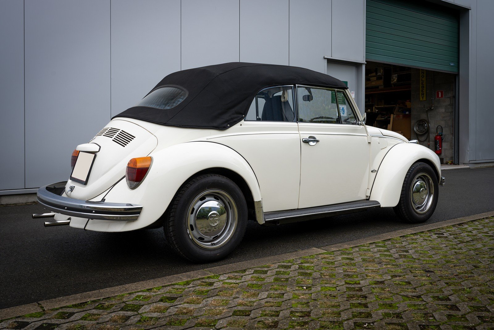 1973 Volkswagen Beetle Type 1303 Cabriolet For Sale (picture 8 of 39)
