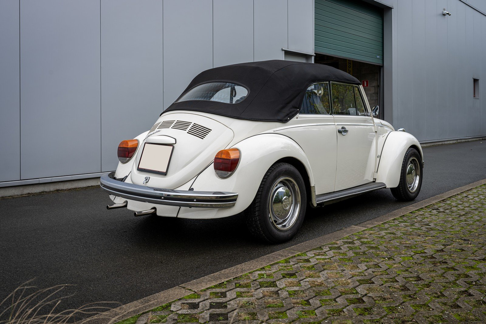 1973 Volkswagen Beetle Type 1303 Cabriolet For Sale (picture 9 of 39)