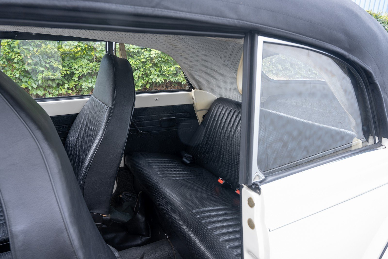 1973 Volkswagen Beetle Type 1303 Cabriolet For Sale (picture 20 of 39)
