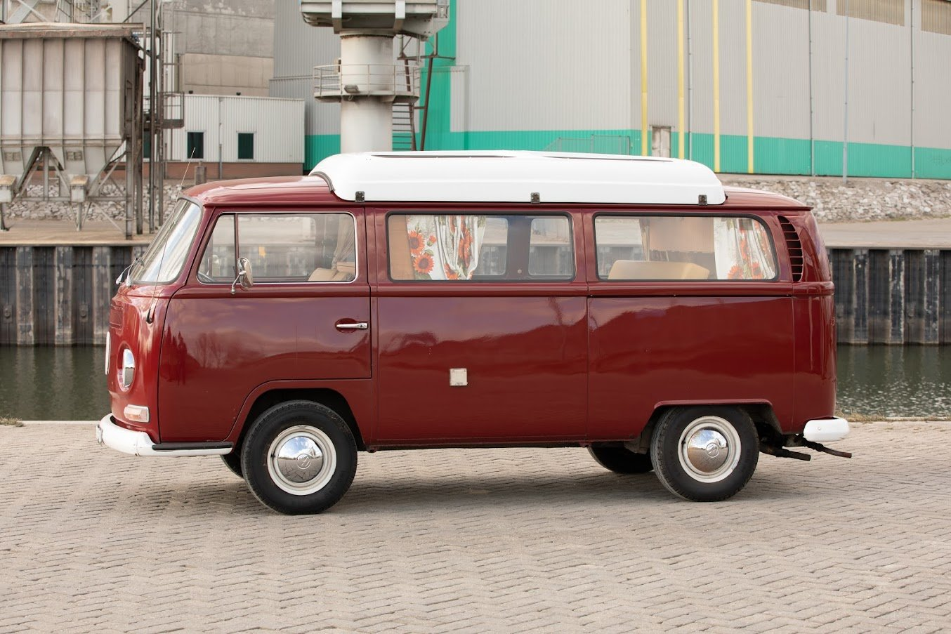 1968 Volkswagen T2A Doormobile, Westfalia Bus For Sale (picture 2 of 7)