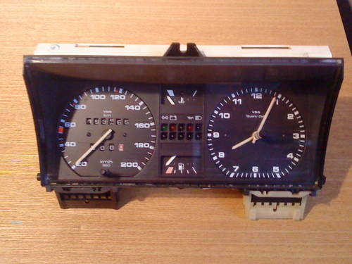 MK2 VW GOLF  GTI  VDO TYPE CLOCK (200 KM/H) For Sale (picture 1 of 6)